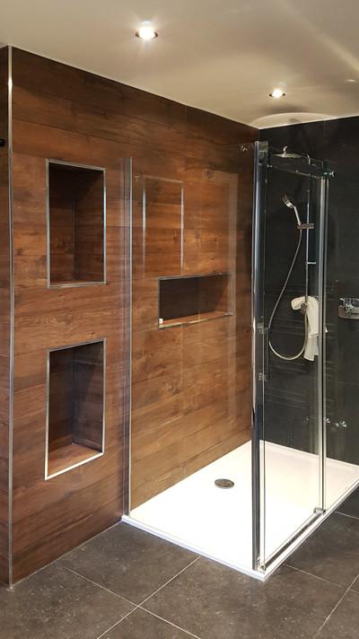After bathroom_10 Beechwood Close03.jpg