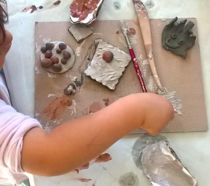 IL SENSO TATTILE Manipolazione con l'argilla