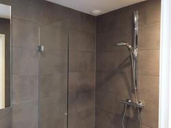 Bathroom 1, ground floor