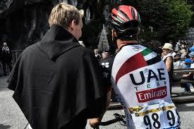 La iglesia alerta de que los ciclistas mienten en los precios de sus bicis.