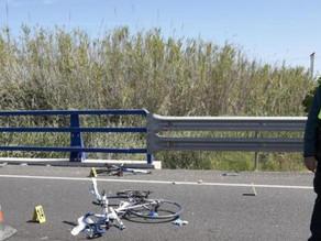 Detenido porque el ciclista que atropelló escribió en la arena parte de la matrícula de su coche