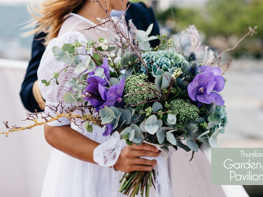 8 Wilt-Resistant Flowers For Your Gorgeous Outdoor Wedding