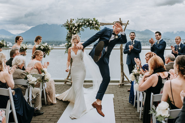 SARA ROGERS PHOTOGRAPHY / JUNEBUG WEDDINGS / CATERS