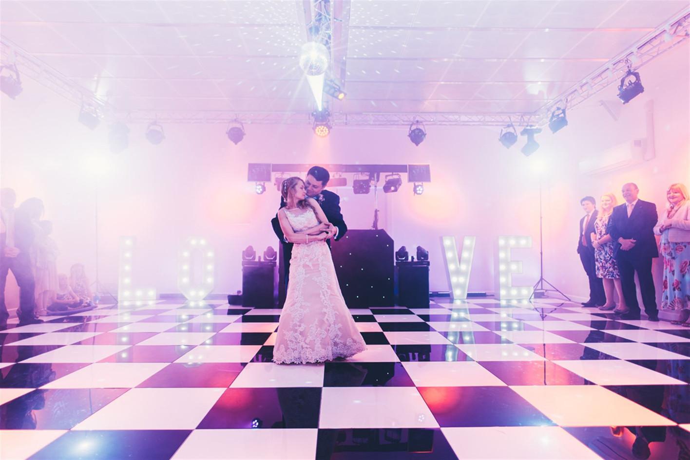 scott-and-lucy-wedding-thursford-by-james-powell-wedding-photographer-norfolk-and-suffolk-022_big.jpg