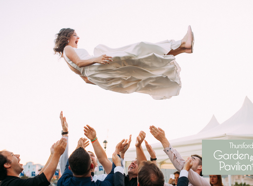 18 Times Groomsmen Took Wedding Photos To The Next Level