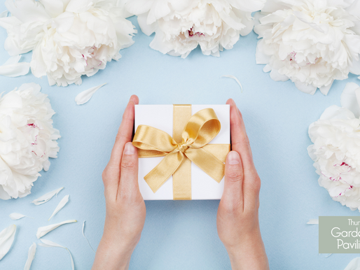 8 of the Dreamiest Wedding Gift Ideas For 2021
