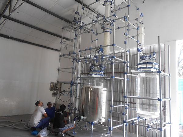 Промышленный реактор из стекла 500 литров Ablaze Simax Симакс, стеклянный реактор с насадкой и колонной 800 литров, промышленный стеклянный реактор QVF
