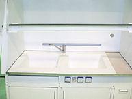 Шкаф вытяжной лабораторный со смесителем