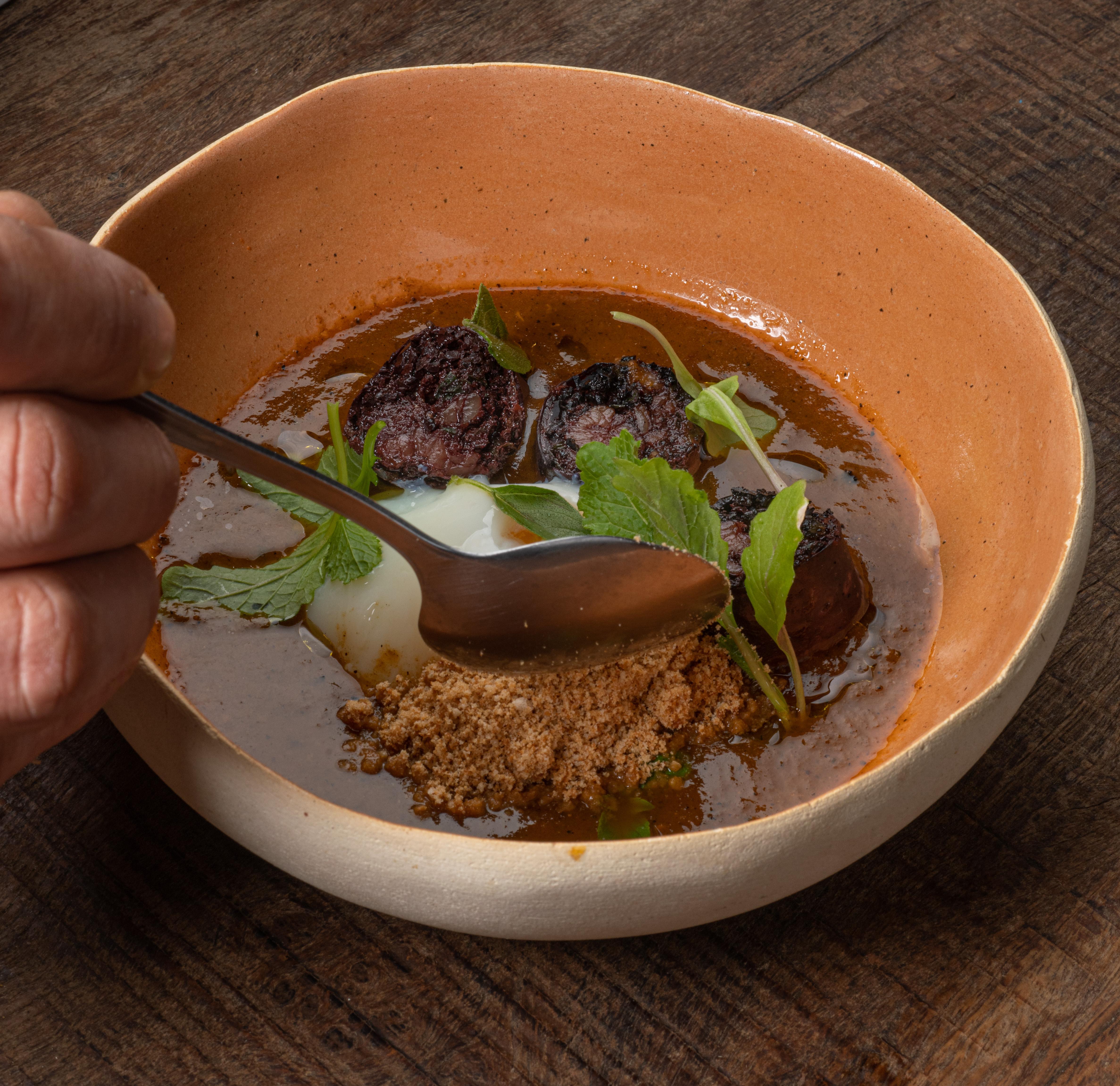 Sopa de tomate defumado
