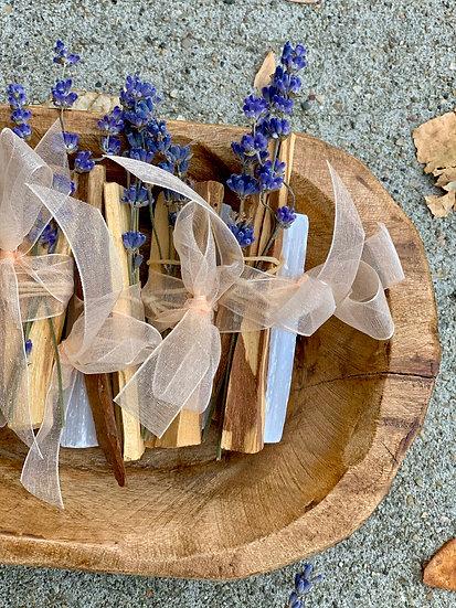 Palo Santo, Selenite and dried lavender Smudge Bundle