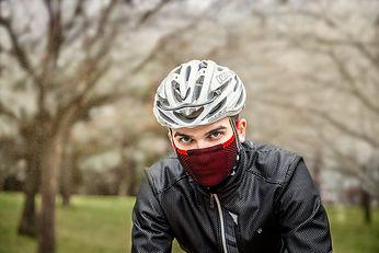 barbijo deportivo de alta gama para hacer ciclismo.jpg
