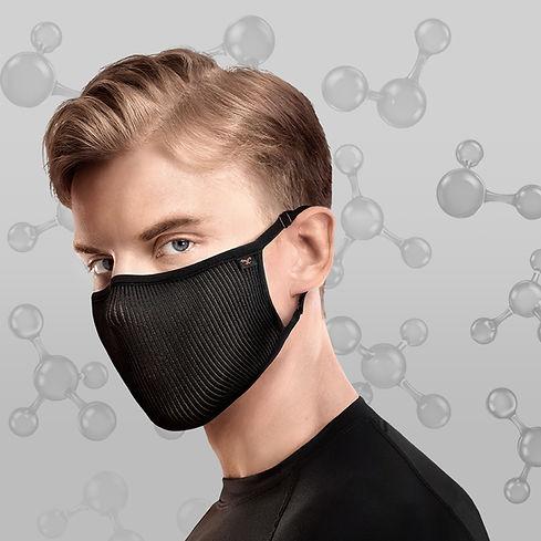 Modelo de barbijo negro deportivo Fu+ copper antimicrobiana contra el coronavirus