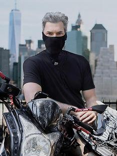 Modelo de barbijo NAROO FU+ - Máscara deportiva para motociclismo para todo tipo de clima