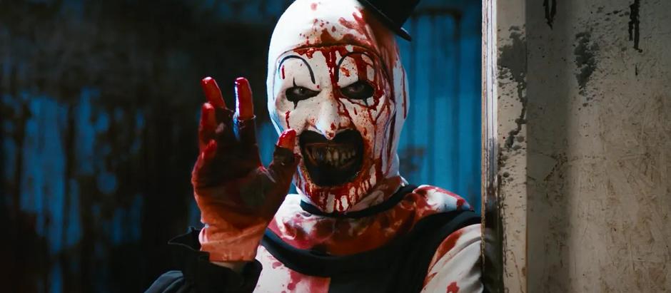 Ceris' 31 Days of Horror Challenge: Day 14 - Terrifier
