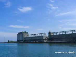 青空と小樽港 Blue sky and Otaru port.