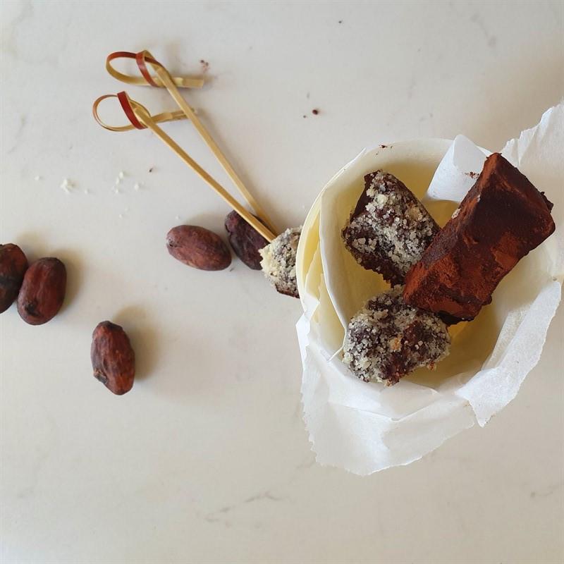 טראפלס שוקולד טבעוני ללא גלוטן וללא אלרגנים