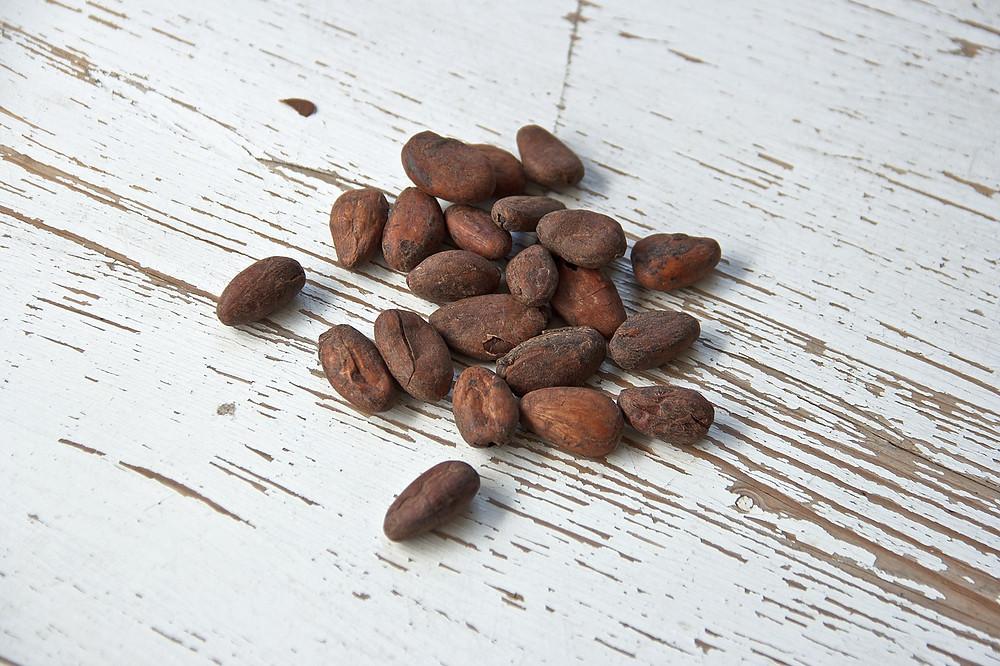 פולי קקאו קריולו, לפני שהופכים לטבלת שוקולד טבעוני מושלם
