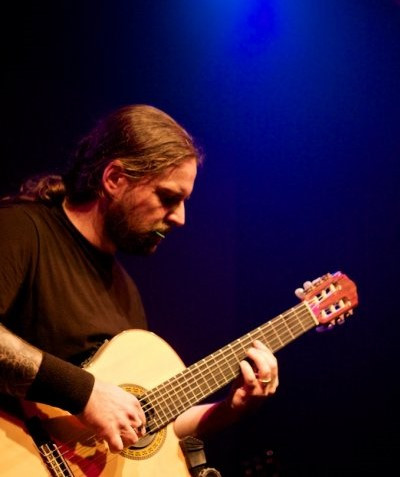 Andreas Kisser classical guitar Vivaldi Metal Project 2 (photo by Estevam Romera)