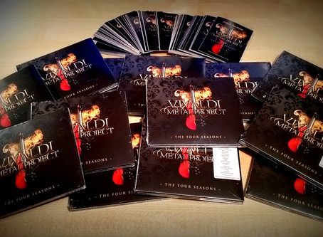 DIGIPACK CD + sticker | SIGNED by Mistheria!