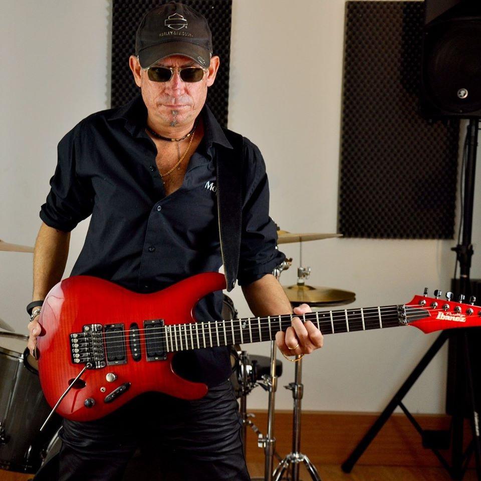 Frank Caruso arranger and guitarist of Vivaldi Metal Project