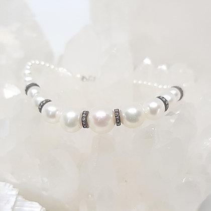 Graduated Freshwater Pearl Bracelet