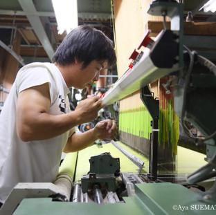 織物工場 織りつけ立ち合い