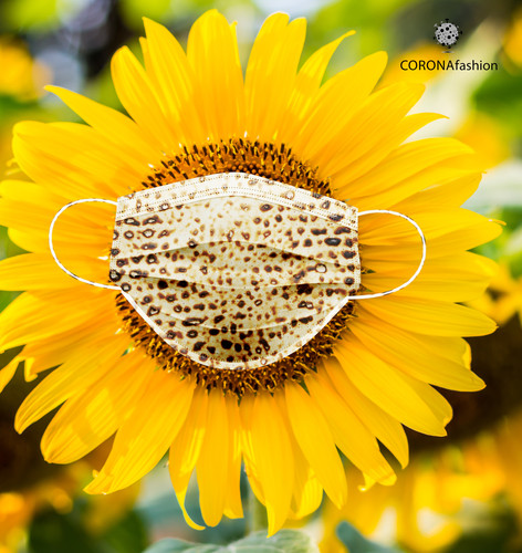 DAY 42/ CORONAfashion ״זרעי קיץ נישאים ברוח מעירים זכרונות מעוררים ערגונות״ מאחלים לכולכם ימים טובים וחג שמח! תמשיכו לעקוב...