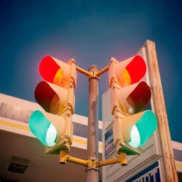 Traffic Lights Turn Red & Green
