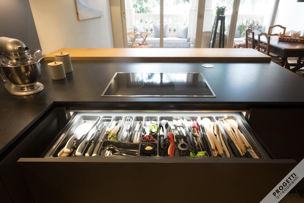 cucina sia funzionale che conviviale