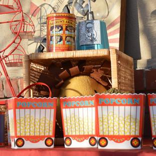 Popcorn Wagon Tubs (3 avaialble) $1/each