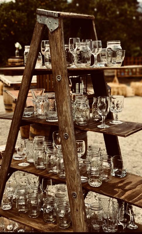Glassware ladder