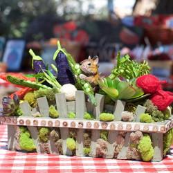 Love this adorable #table #decor #centerpieces at Aidan's #farmersmarket #theme #party