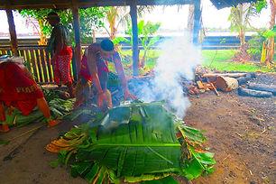Samoan-Cultural-Village-Apia-maiking-umu