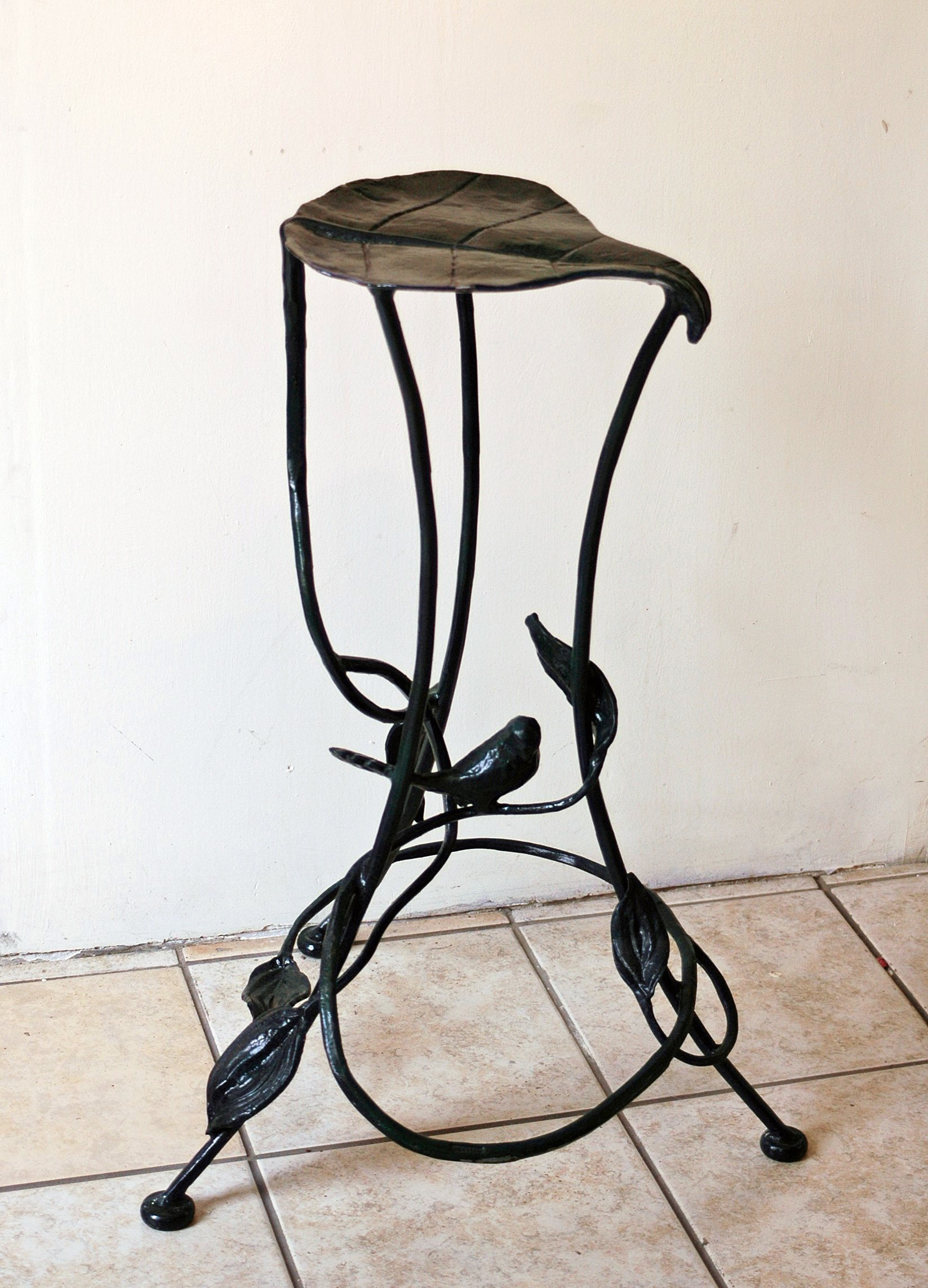 Kaviar Forge stool