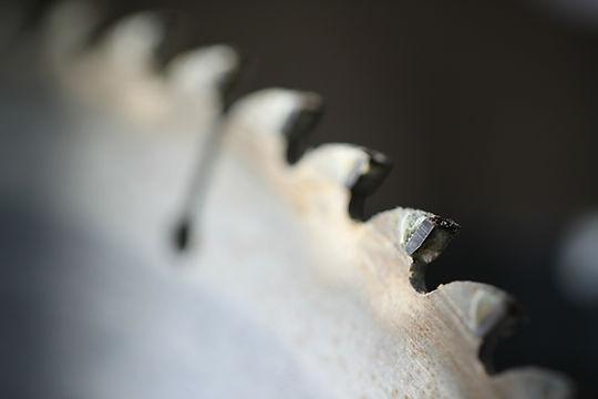 Skæring krydsfinerplader