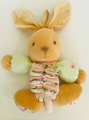 Kaloo musical bunny rabbit - excellent condition