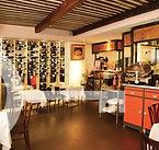 restaurant à table cassis