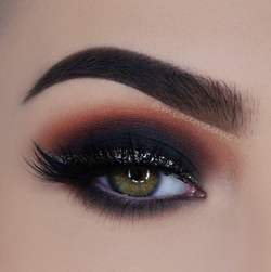 maquillage smoky eyes pour yeux verts. Black Bedroom Furniture Sets. Home Design Ideas