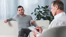 patient-with-therapist_23-2147990587.jpg