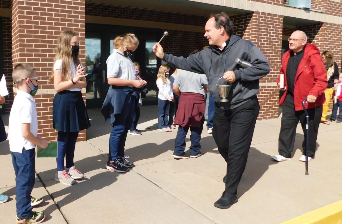 Fr. Tim Blesses Pets