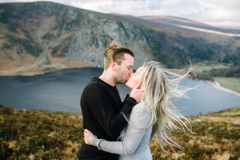 Couple_Shoot_in_Wicklow_Mountains,_parik