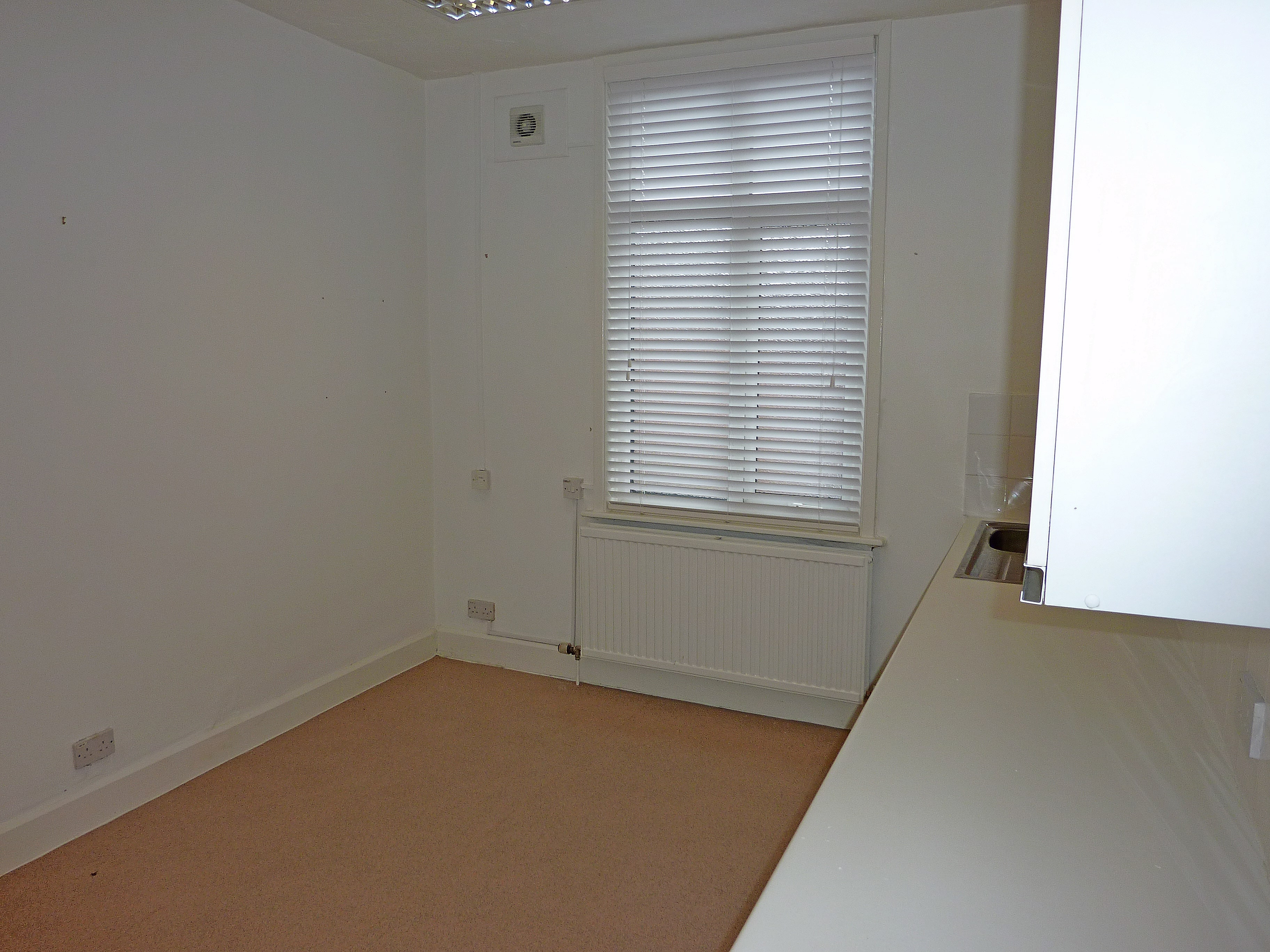 Therapy room for rent
