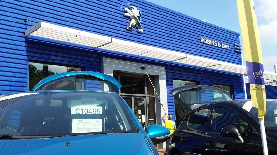 Commercial Window Cleaning in London W4.