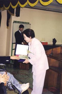 2001년도 제8회 민들레출판 기념식