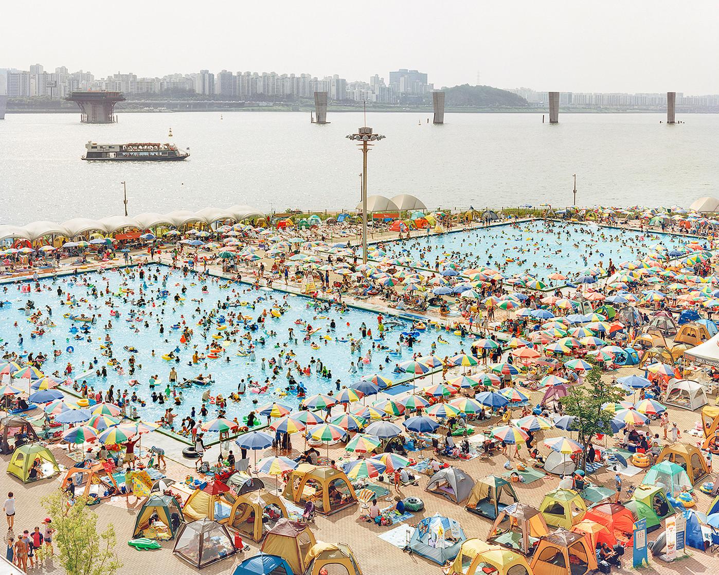 Swimming Pool, Seoul, August 2016