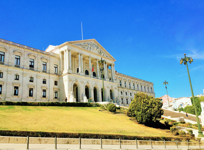 Parliament Building in Estrela neighbourhood