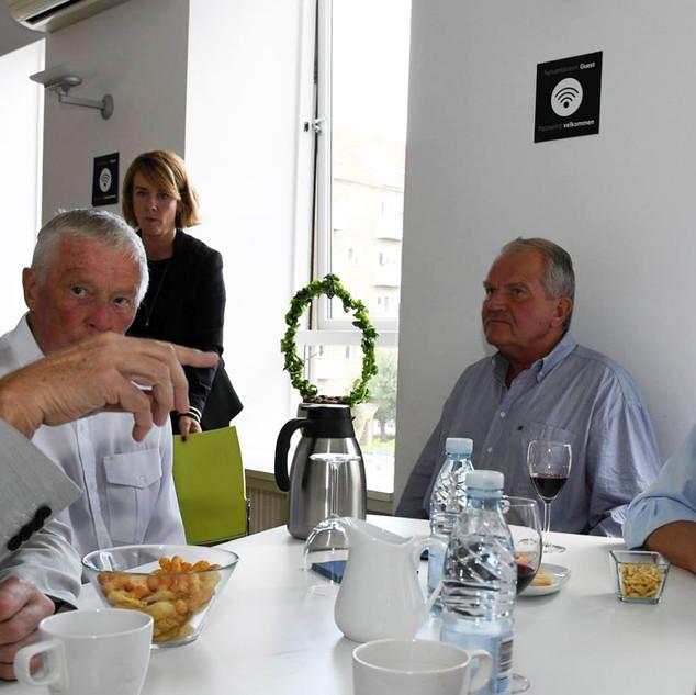 Dialog_blandt_deltagere_på_Forum+_møde_1