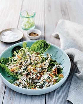 yhl_recipes_spirulina_green_chicken_sala