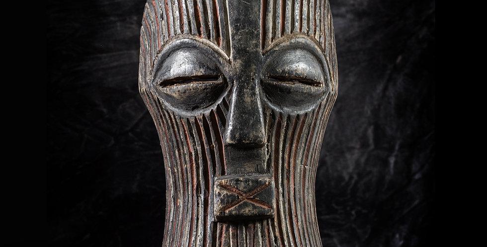 Máscara Kifwebe Songye. El Congo