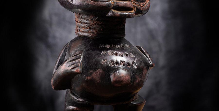 Personaje Pigmeo. Camerún